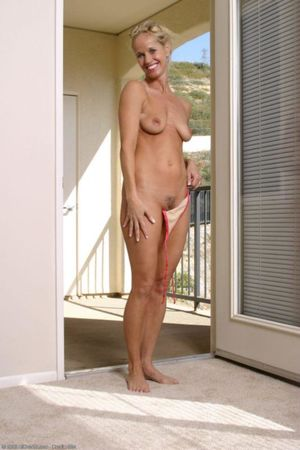 Pictures of elderly women nude - Porno..