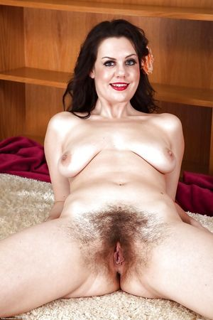 Lovely hairy, matures - Pics -..