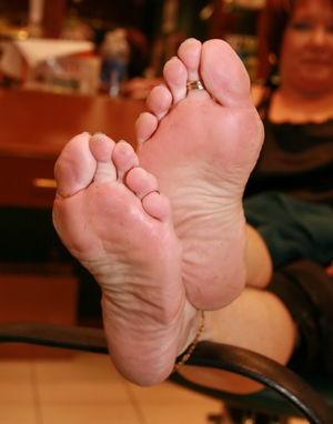 Fetish Sexy Mature Feet 18 High..