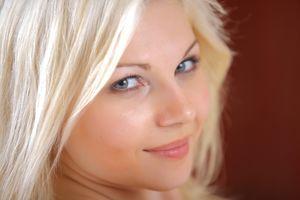 Download wallpaper girl, face, smile,..