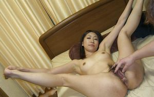 ASIAN AMATEUr , japanese wife toying ,..