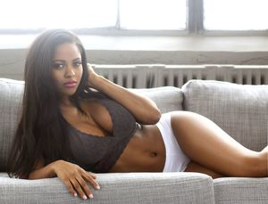 Hot & Beautiful Black girls Black..