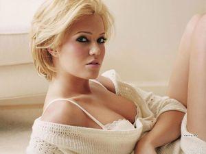 Mandy Moore As A Blonde - XXXPornoZone