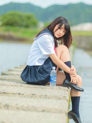 Seifuku Asian Girls in School Uniforms