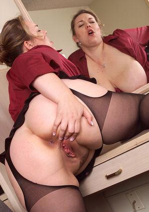 Home Porn Jpg clasic,mature,boobie,bbw