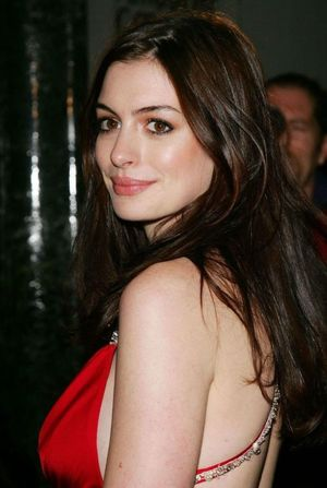 Hot celebrity wallpapers female..