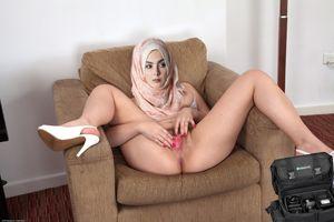 HORNY MUSLIM CUNTS upskirtporn