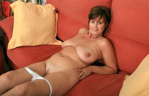 mature joy nude