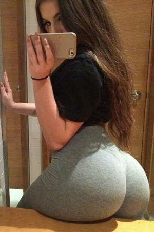 Booty for days! Babes