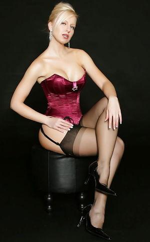 Hot Girl's with Garter Belt xXx -..