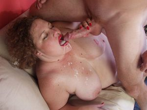 Horny BBW Wives in Action. Free..