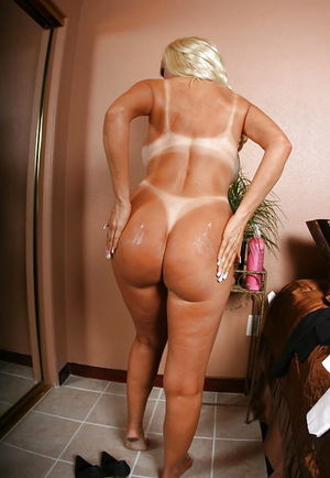Blond Butts 9..