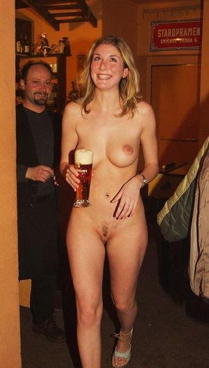 Porn pics in a pub - XXX pics