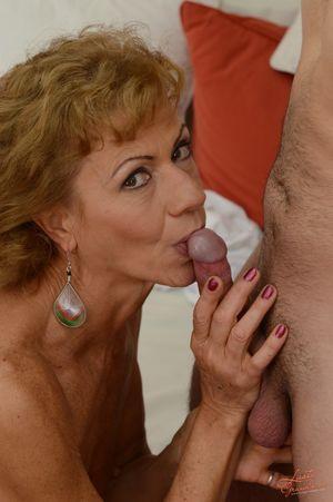 naked grandma blowjob