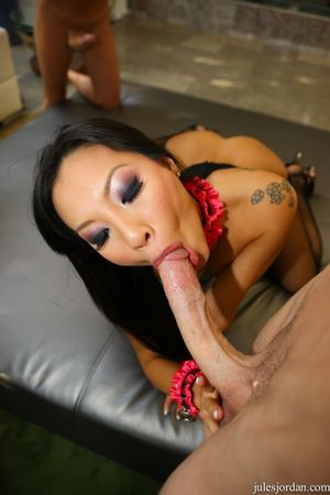 Sexy Asian Asa Akira topless in..