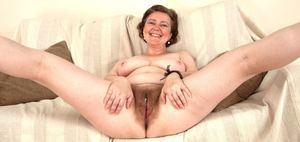 Mature hairy pussy wide open - Milf -..