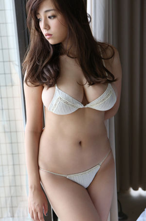 Jav idol abe mikako gets ambushed and..