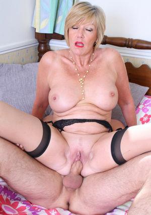 Free mature adult vids - Milf -..