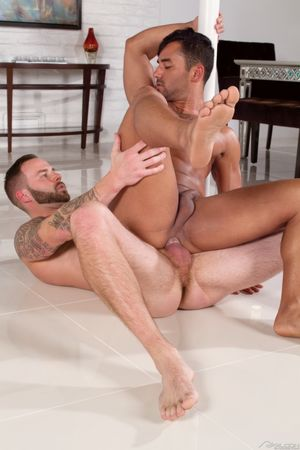 Barefoot Male Pornstars 2: Bruno Bernal