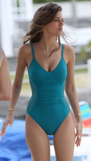 Bregje Heinen photo gallery - page..