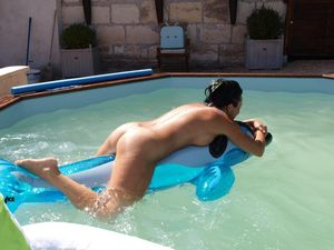Stories of naked pool parties -..