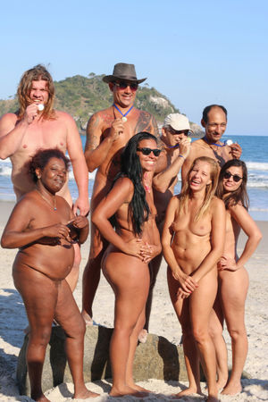 Nudist Family sorgusuna uygun..
