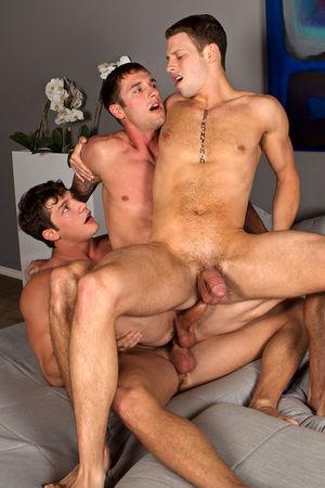 Bareback threesome between Brandon,..