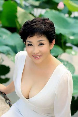 Beautiful single asian women in