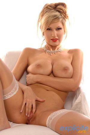 Carol Goldnerova nude picture