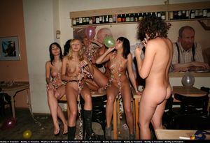 Naked at home party sorgusuna..