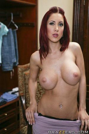 Redheaded wife Kylee Strutt flaunts..