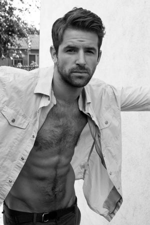 Colin Donnell Chest LINEBLOG