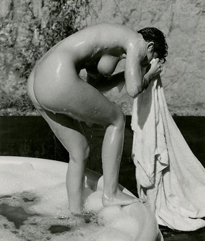 Nude Departing Tub photographed by..