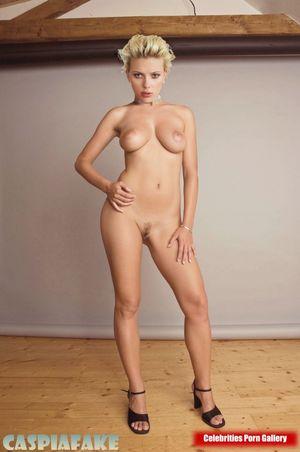 Scarlett Johansson Nude Celeb Pics