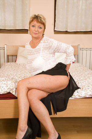 Mature big tited housewife who..