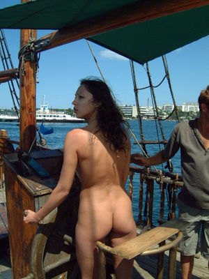 Pretty 18yo girl nudist from..