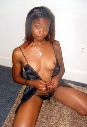 Amateur ebony chicks posing sexy