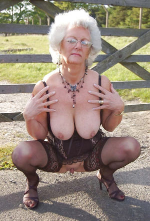 Wild sex hungry mature and granny..