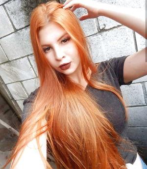 Hot Redhead Teen бесплатно..