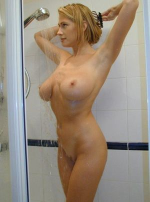 Just look at my naked wife,sweet..