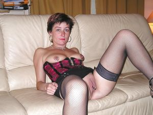 Mature Milf Housewives Amateurs - Free..