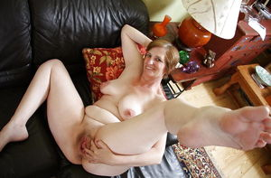 MATURE AND GRANNIES 123