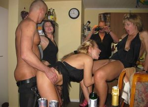 Homemade crossdresser upskirtporn