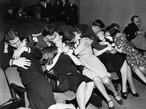62 Historic Photos Of Love During..