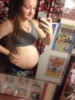 Young Pregnant Teens 21 - 30 Pics -..