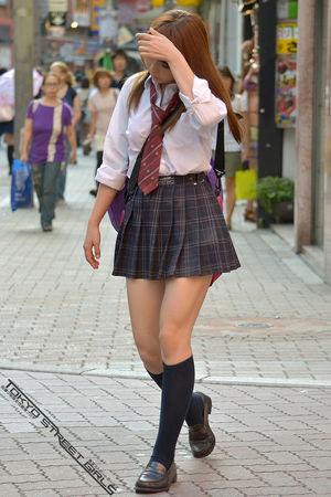 東 京 の 女 子..