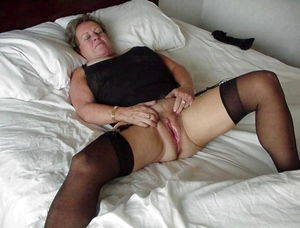 Older married mature women videos - MILF