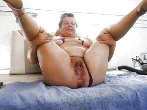 Granny Mature spread and ready for..