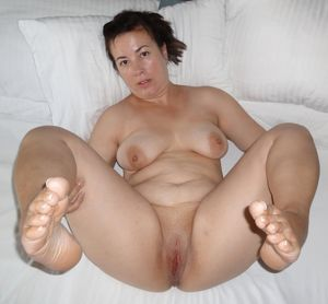 bbw milf mature chubby fat feet toes..