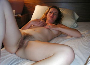 Young Natural Women 1039..